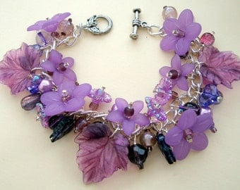 Purple charm bracelet - purple beads, flowers, leaves lilac mauve - Violet floral bracelet unique OOAK