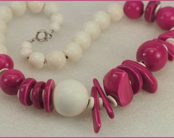Vintage Pink and White Beaded Necklace