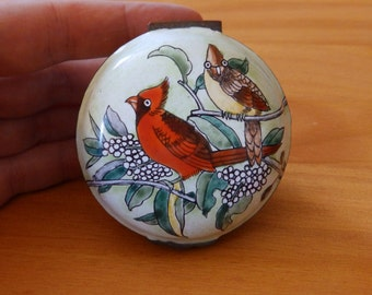 Cardinal Birds Porcelain Enamel on Copper Trinket Box B. Yee Chinemel Hinged Lid Bill Yee Cardinals