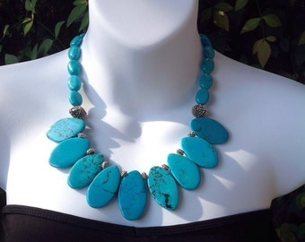 Chunky turquoise necklace. Statement necklace. Oval Turquoise Necklace.
