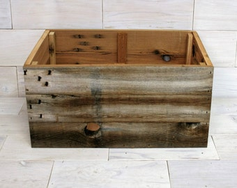 "Barn Wood Box 20"" x 16"" x 9"" . . . (aka rustic wood crate, storage crate, man cave bin, farmhouse chic basket with Optional Rope Handles)"