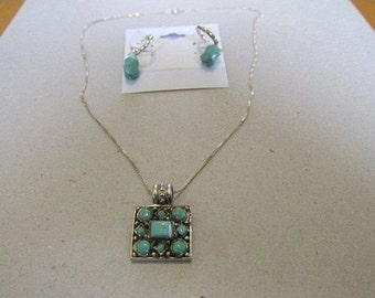Vintage Sterling Silver Chain  Pendant - Turquoise Stones - Native American - Collectible Jewelry