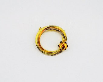 Vintage Gold-tone Circle Brooch with Citrine colored stone