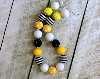 chunky necklace bumble bee yellow and black chunky bead necklace girls necklace yellow black bead necklace bee necklace birthday