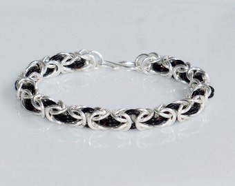 Bracelet  byzantine pattern-chainmaille/Black and silver bracelet