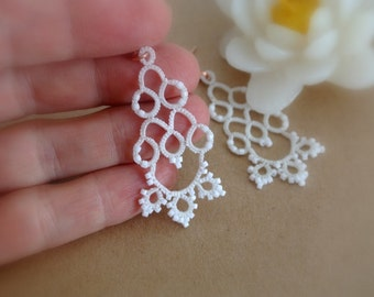 Bridal tatted white lace earrings made in Italy | chandelier tatting earrings | wedding jewelry|tatted jewelry lightweight