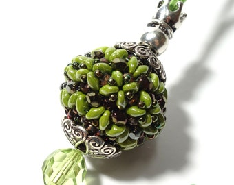 Exquisite beads pendant green with chain
