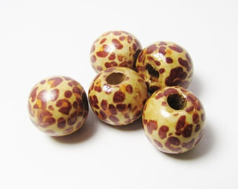 D-01911 - 5 printed Woodbeads