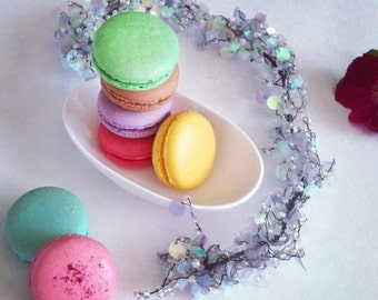 18 French Macarons - assorted flavors