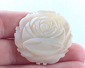 Mother of pearl rose ring