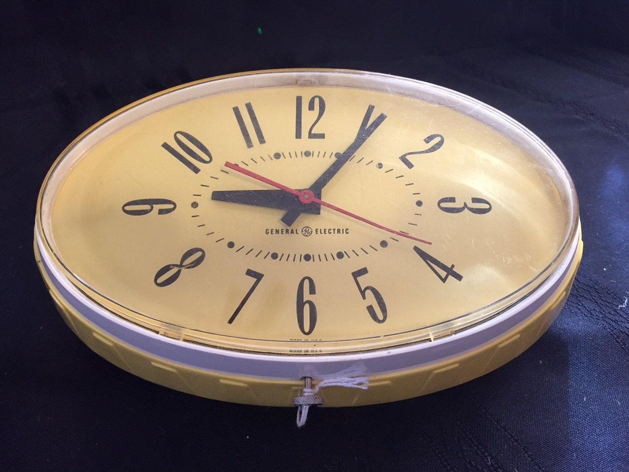 General Electric Yellow Wall Clock Model 2h115