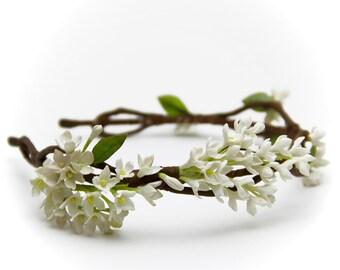 White lilac flower hair wreath, bridal hair accessory, wedding circlet Headband, flower headband, wedding headpiece, headpiece, rustic