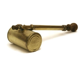 Brass Dronwal Syringe Sprayer. Antique Vapourizer Bug Sprayer. Insecticide Sprayer.