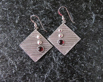 Jewelry, Earrings, Silver earrings, Filigree earrings, Garnet earrings, Israel  jewelry,garnet silver earrings