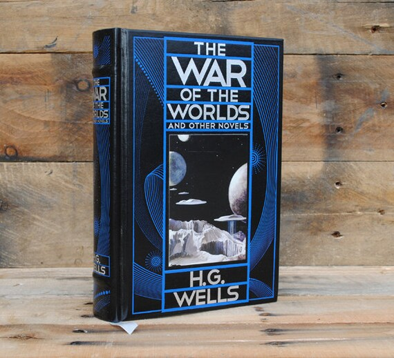 Hollow Book Safe - The War of the Worlds - Leather Bound
