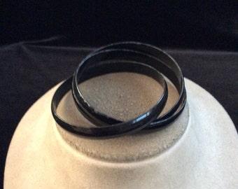Vintage Black Enameled Interlocking Bangle Bracelet