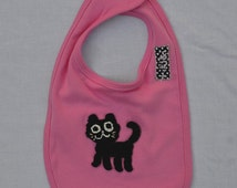 baby bib in 100% pink cotton personalized with hand embroidered cat