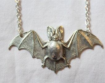 "Necklace ""THE SHINY BAT"""