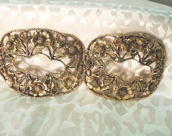 MUSI Floral Shoe Clips With Antiqued Gold Finish / Ornate Filigree Flower Designs