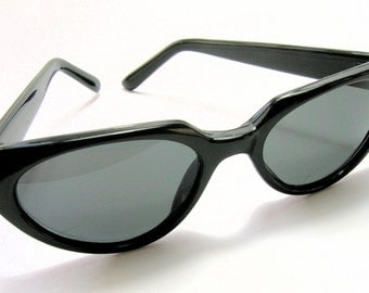 Vintage Black Cat Eye Sunglasses - 1950s