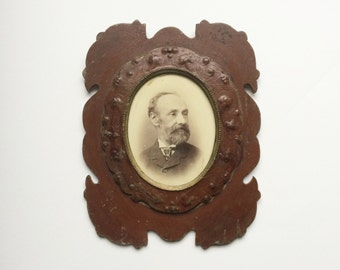 Large vintage antique wooden photo picture frame - old, shabby chic, ornate, oval, Edwardian, sepia, gothic, mourning, home decor, portrait