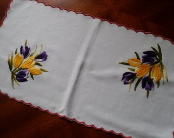 Traditional Hungarian Handmade Hand Embroidered Crocus Oblong embroidery Tablecloth Doily Runner Centerpiece