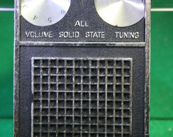 Vintage Transistor Radio - Panorama De-Luxe Solid State - Model (1688)