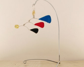 SINGLE EARRING ''A tribute to Calder''