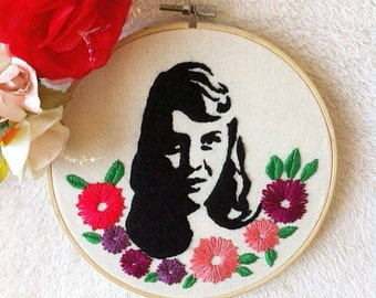 Sylvia Plath embroidery hoop art/literature stitching/author embroidery