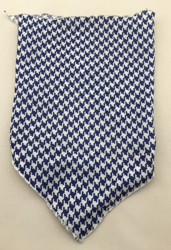 Blue Buffalo: Hidden Pocket Bandana w/ Navy Blue Buffalo Checkers/Houndstooth Print Lightweight