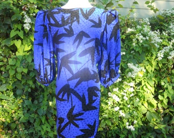 Size 6 Flora Kung Day Dress