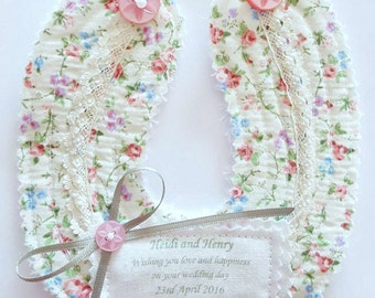 how to make a fabric wedding horseshoe