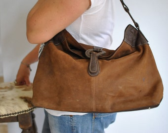 Vintage LEATHER HANDBAG ......(431)