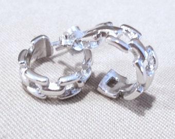 Vintage Silver Hoop Earrings, Vintage 80's Medium Silver Chain Link Open Hoop Post Earrings, Fashion Jewelry, Simple Elegant Edgy Classic