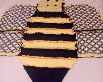 Quilt #1 Double fleece Buzzy Bee