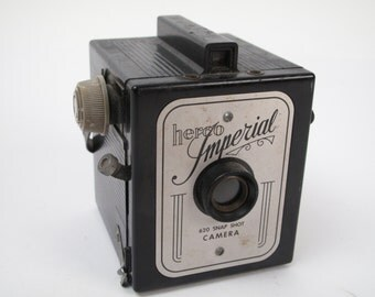 Herco Imperial VINTAGE CAMERA / 620 Snap Shot / Functions Properly