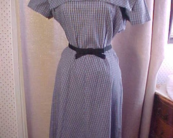 Vintage 1950s Blue Print Dress, Flared Skirt, Wonderful Square Collar.