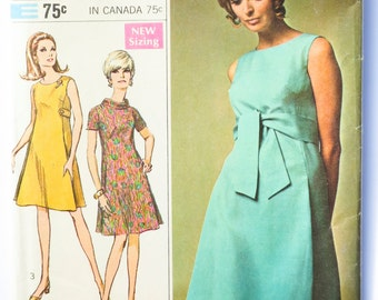 Vintage 60's Simplicity 7475 - Women's Tent Dress with Collar and Belt Options - Size 12 - Bust 34