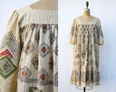 VINTAGE 1970s evil eye beige kaftan maxi dress | Indian gauze chevron boho ethnic dress | Kimono sleeve tunic dress