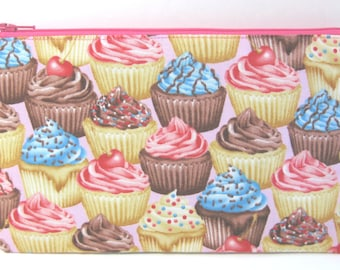Chocolate and Vanilla Cupcake Pencil Case // Cupcake Birthday // Cupcake Party // Cupcake Pouch