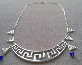 Necklace silver half-moon plastron geometric and triangles and purple beads