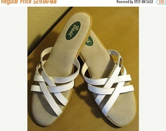 """On Sale Vintage Bass Sunjuns White Leather Strappy Sandals, Womens Size 10N, 1.5"""" Wedge Heel, Excellent Condition, Leather Sandals, Vintage"""
