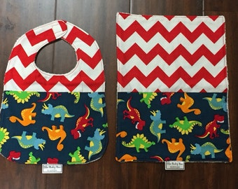 BOYS Chevron Bib & Burp set- Dino's on Navy