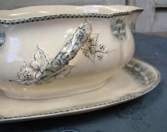 Antique french ironstone grey transferware gravy boat / sauce bowl from H.B.& Cie. / CHOISY-le-Roi. Grey transferware. French transferware