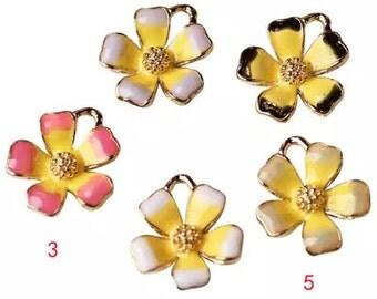 10 pcs of antique gold multicolour flower charm pendants 16x18mm
