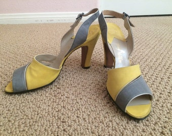 1950s gray and yellow heels 8A