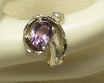 Vintage retro diamond cut sterling silver amethyst open swirl gem stone ring size 6 1/2
