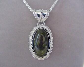 "Epidot Stone Pendant 24"" chain"