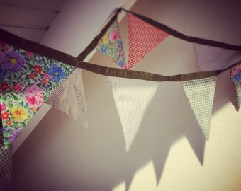 Fabric bunting banner, Floral garland, Wedding, Hochzeit, Tea Party, home decor, Shabby Chic fabric vintage floral flags, Decorative String
