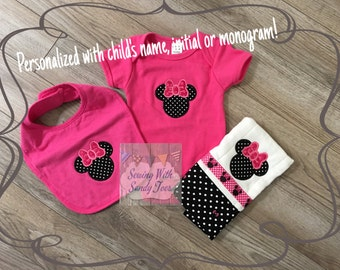 Baby gift, baby shower gift, Personalized Baby Gift Set, Minnie Mouse, Onesie, Baby Bib, Burp Cloth, Baby Layette, New Baby Gift, baby girl